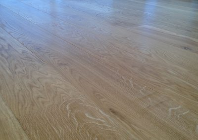 Oiled solid oak planks