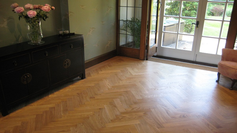 Solid oak herringbone parquet wood flooring finished with Osmo Hardwax Oil in Papplewick Nottingham