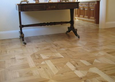 Solid oak parquet wood flooring panels